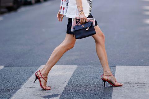 Human leg, White, Street fashion, Clothing, Leg, Fashion, Footwear, Waist, Beauty, Shoulder,