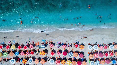 strand-lichaam-mannen-vrouwen