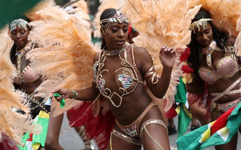 DANCERS AT NOTTING HILL CARNIVAL, LONDON