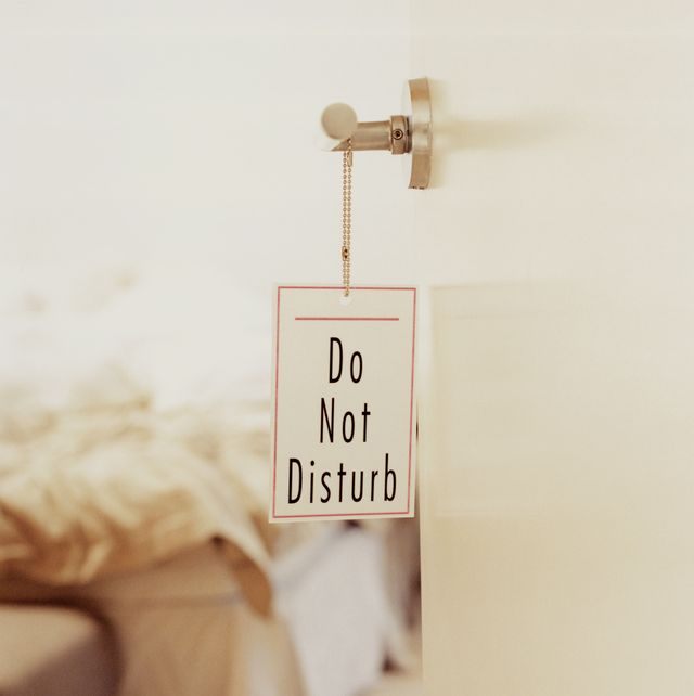 don't disturb sign