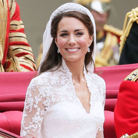 Kate Middleton S Signature Royal Wedding Day Hairstyle Went