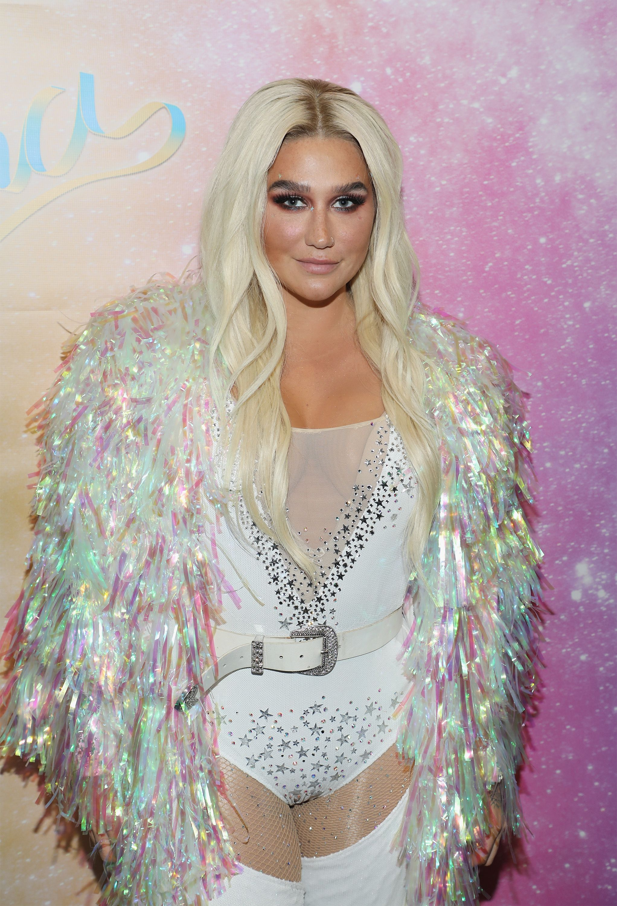 Kesha This is much more of a cameo than an ascent to stardom, but before she came in on her 'Rainbow,' Kesha was on an episode of The Simple Life alongside Paris Hilton and Nicole Richie. In the episode, Paris and Nicole tr y to set up Kesha's mom on a date, and Kesha looks the most 2005 she could possibly ever look.