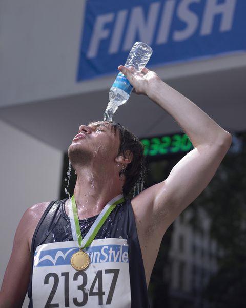 alimentacion durante el maraton