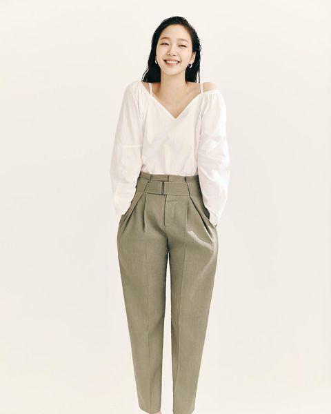 Clothing, White, Waist, Khaki, Trousers, Neck, Beige, Sleeve, Leg, Fashion model,
