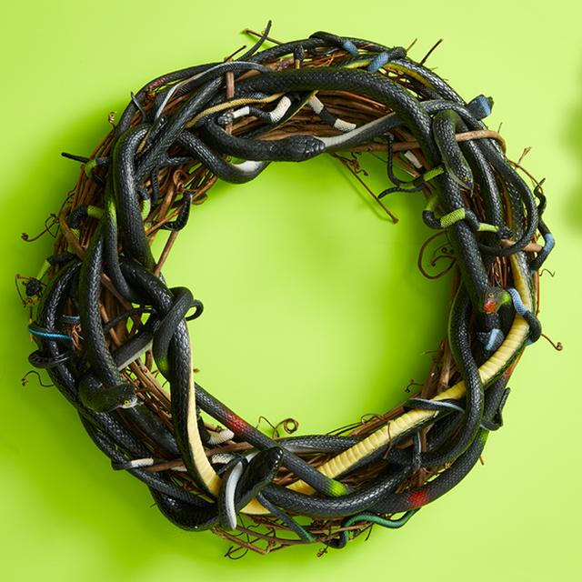 28 Best Halloween Wreaths Diy Halloween Wreath Ideas