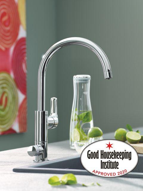 Tap, Plumbing fixture, Sink, Room, Material property, Font, Plumbing, Kitchen, Glass,