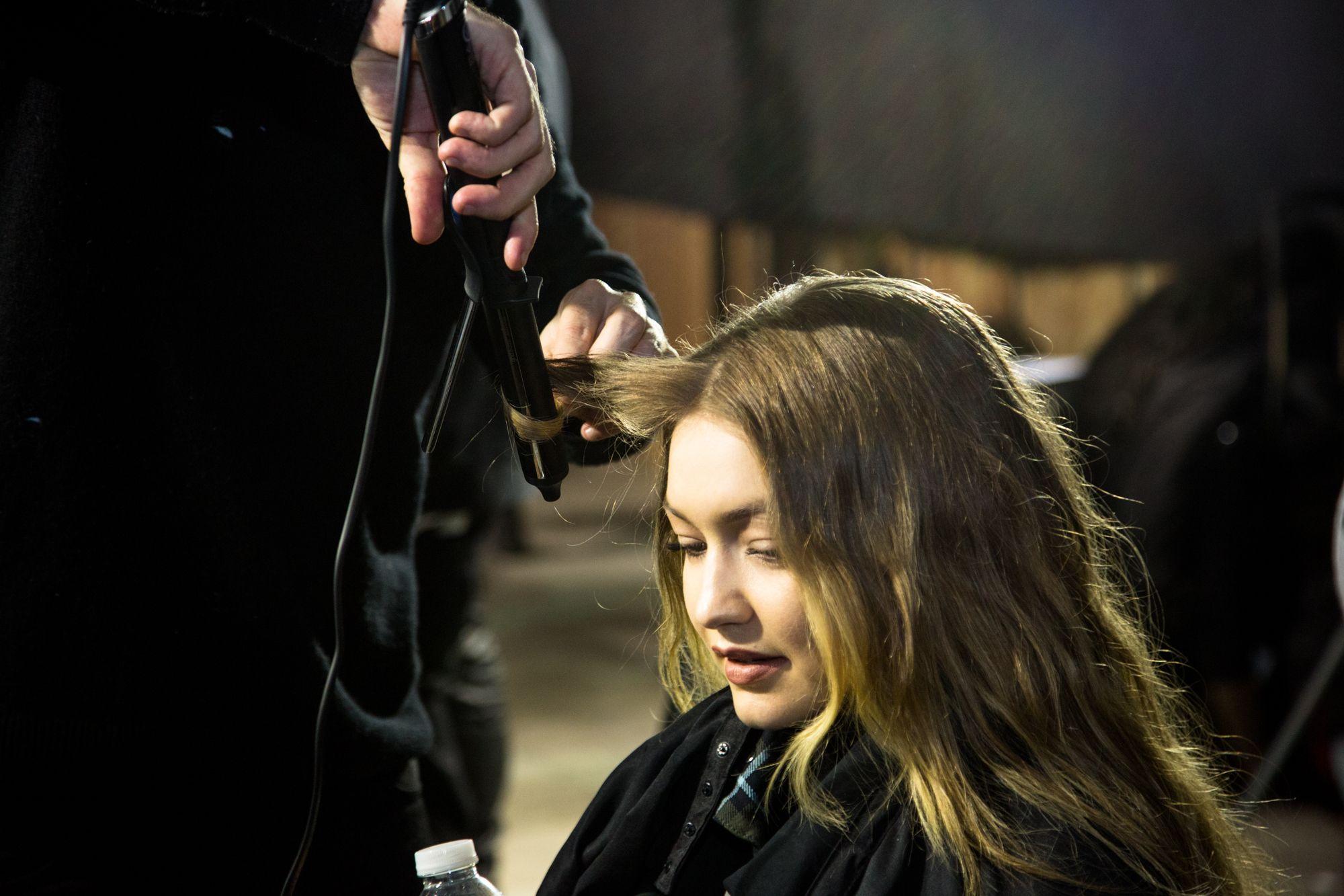 Come fare capelli mossi con ghd