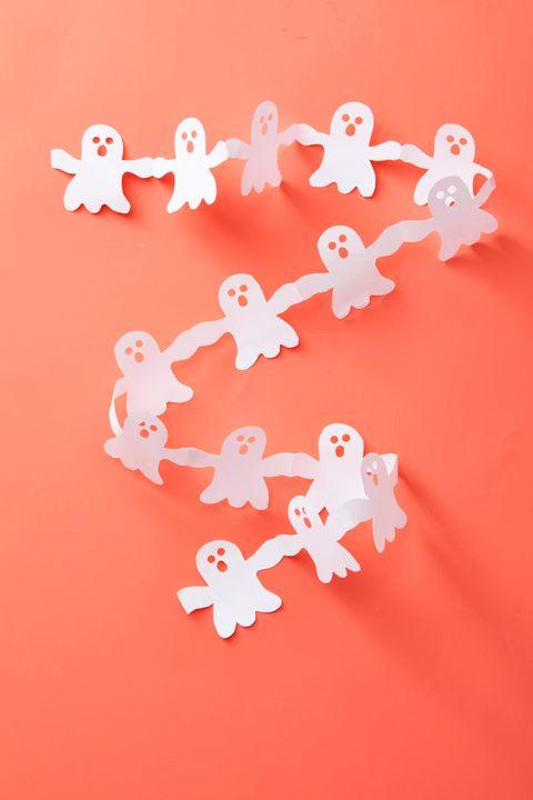 halloween-paper-ghost-garland