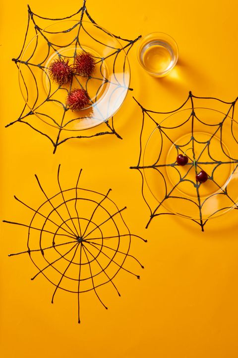 spider-web-placemat-diy