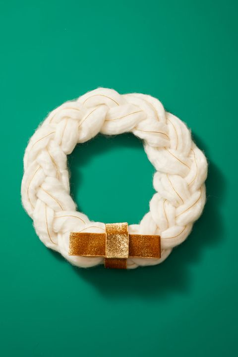 Christmas Crafts - Braided Wreath