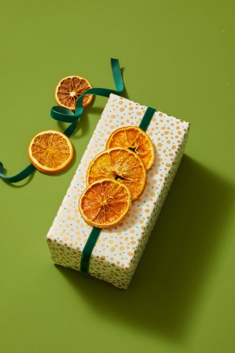 Christmas Crafts - Orange Gift Topper