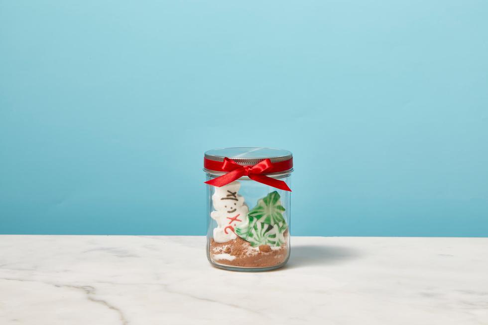 How to DIY a Mason Jar Hot Chocolate Gift Using Peeps