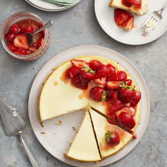 20 Easy Strawberry Desserts Best Dessert Recipes With Strawberries