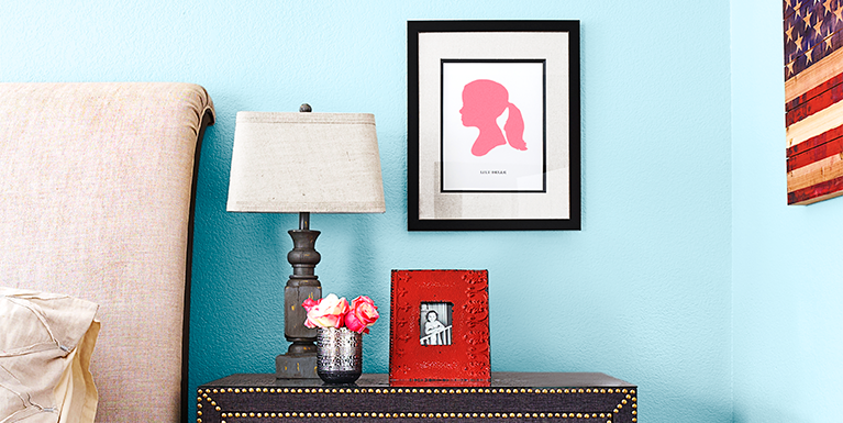 The Best Way to Hang a Picture Without Damaging Your Walls