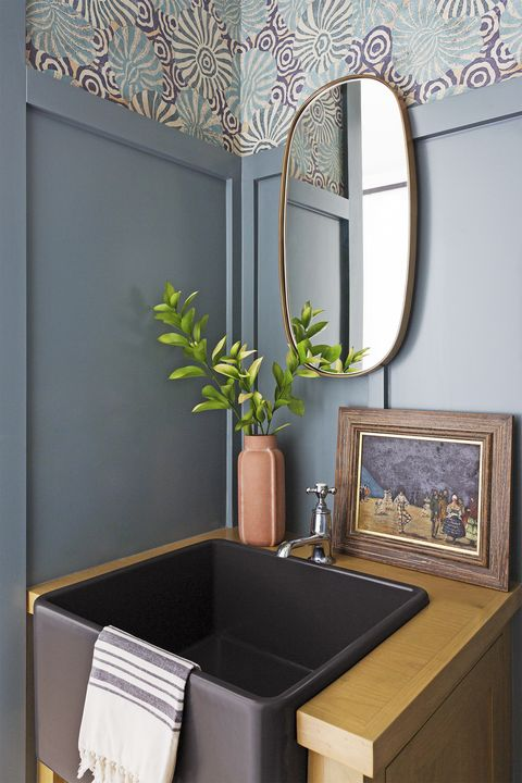 manhattan beach, ca, property, modern farmhouse style, bathroom, powder room photo by amy bartlam design by kate lester interiors