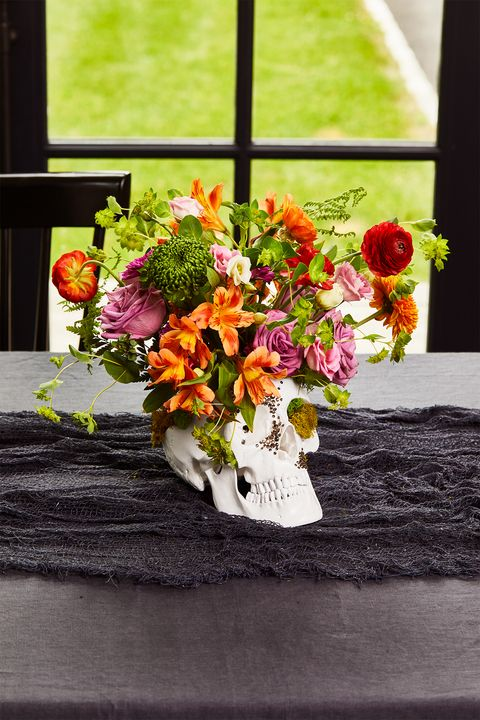 halloween table decorations and centerpiece