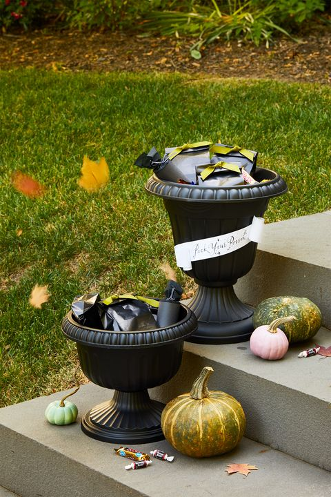 outdoor halloween candy urn