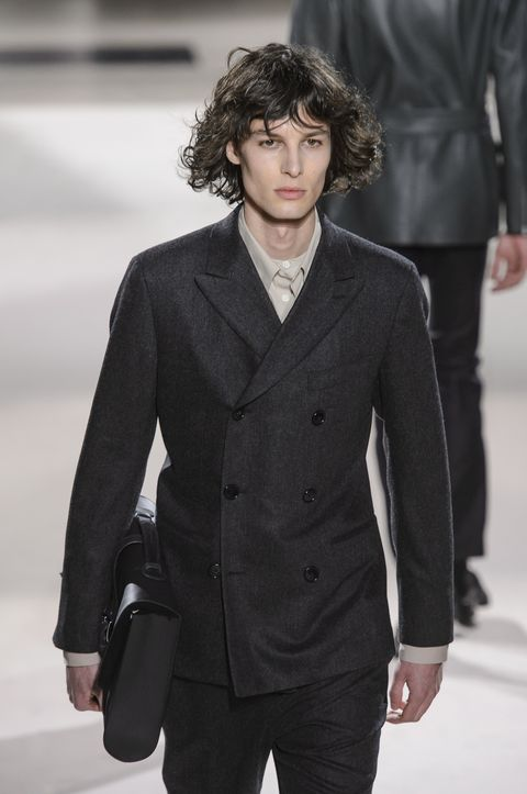 Fashion, Fashion show, Hair, Fashion model, Suit, Clothing, Runway, Hairstyle, Outerwear, Formal wear,