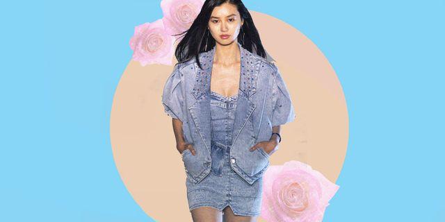 il giubbotto di jeans come primo modello delle giacche di primavera è il capo di abbigliamento moda 2021 da estrarre subito dall'armadio