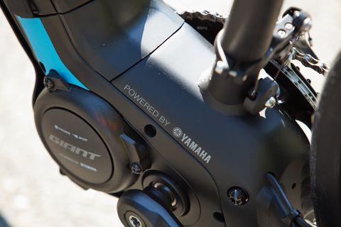 Bicycle part, Vehicle, Tire, Bicycle drivetrain part, Automotive tire, Wheel, Bicycle, Bicycle wheel, Auto part, Metal,