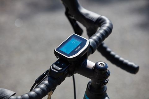 Bicycle handlebar, Bicycle part, Technology, Electronic device, Photography, Bicycle, Hand, Vehicle, Bicycle accessory, Stock photography,