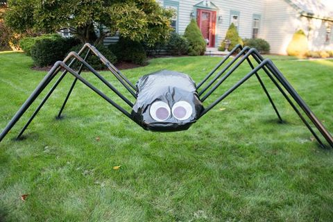 Diy Giant Spider Decorations Spider Outdoor Halloween Decor