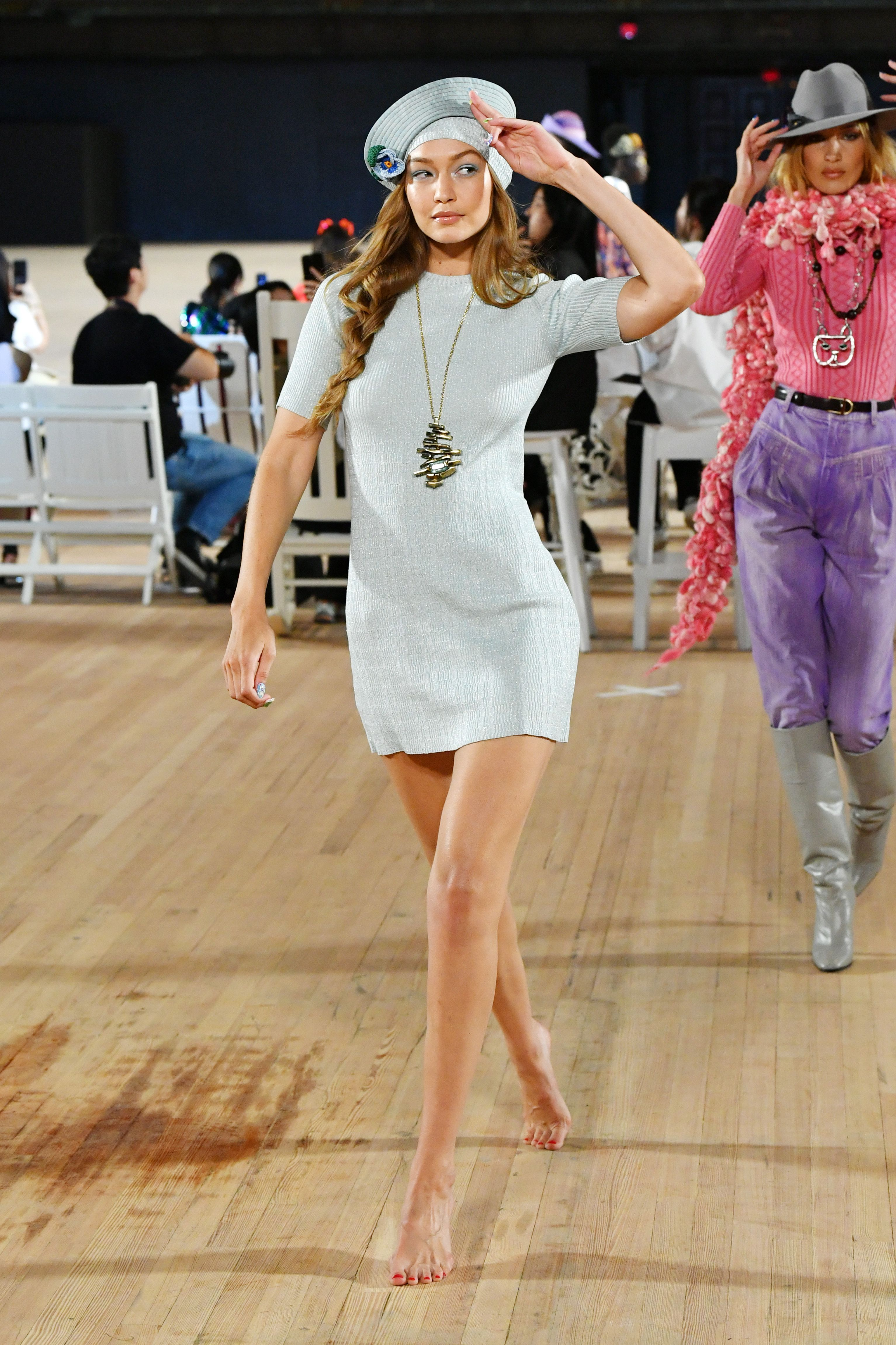 Florence Pugh Barefoot >> Gigi Hadid Walks Barefoot For Marc Jacobs New York Fashion Week