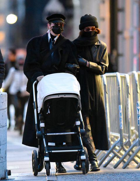 gigi hadid, bella Hadid and daughter