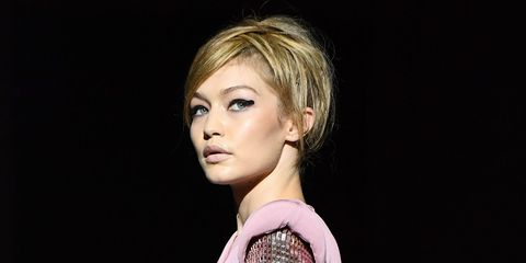 Hair, Face, Hairstyle, Eyebrow, Chin, Blond, Beauty, Lip, Cheek, Fashion model,