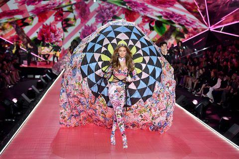 0d53e74b63 Victoria s Secret Fashion Show 2018  Kendall Jenner