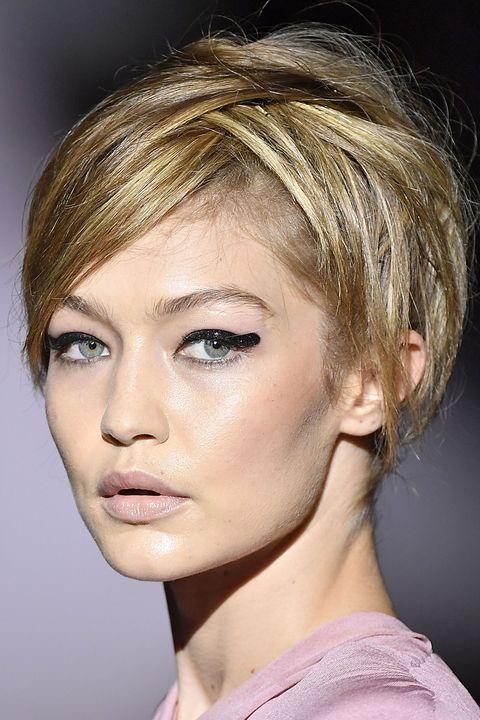Hair, Face, Hairstyle, Eyebrow, Chin, Blond, Beauty, Lip, Forehead, Fashion,