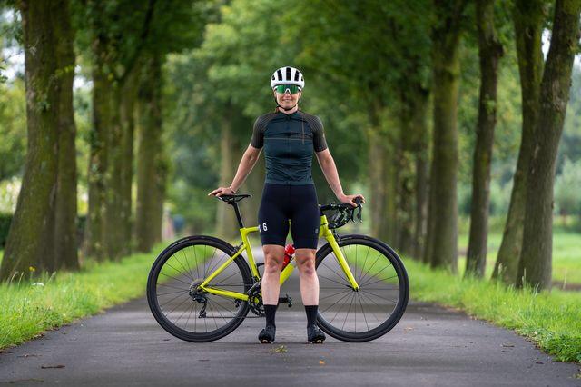 agu fietsshirt ii six6 dames en bibshort