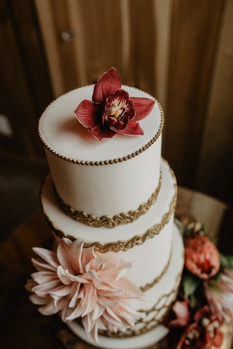 Fall Wedding Cakes.12 Fall Wedding Cakes Fall Themed Wedding Cake Ideas