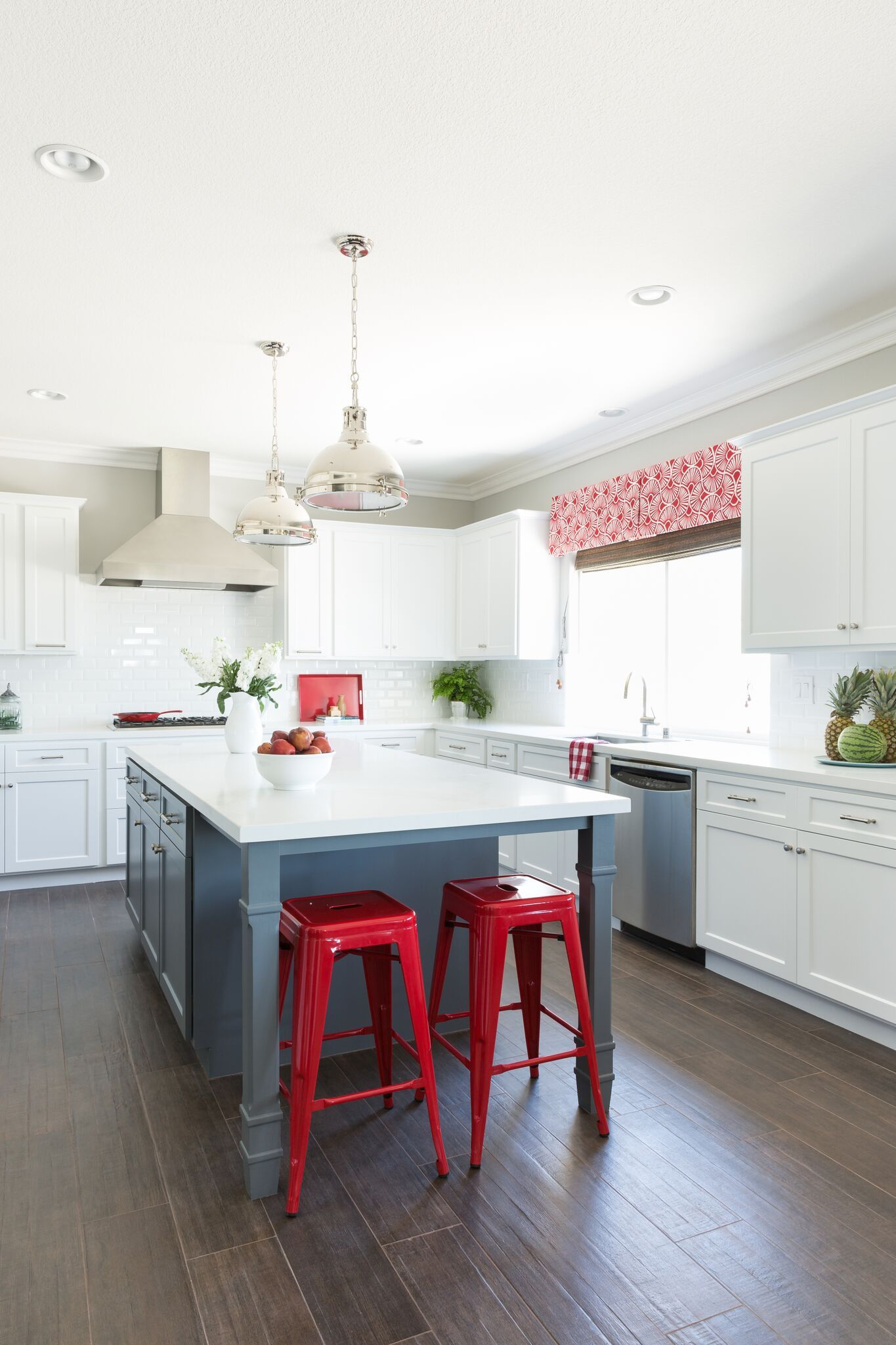 30+ Best Red Kitchens - Red Kitchen Decor