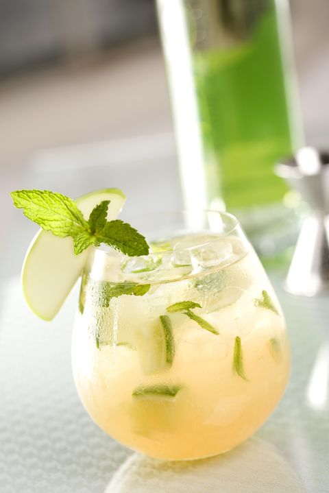 Mojito, Drink, Food, Cocktail garnish, Lime, Non-alcoholic beverage, Lemonade, Limeade, Alcoholic beverage, Lime juice,