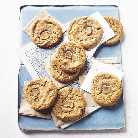 spelt ginger biscuits