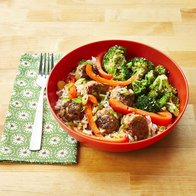 ginger meatballs with sesame broccoli