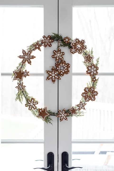 gingerbread cookie christmas wreath