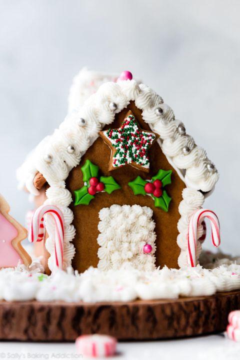 Unique Gingerbread House Designs 10
