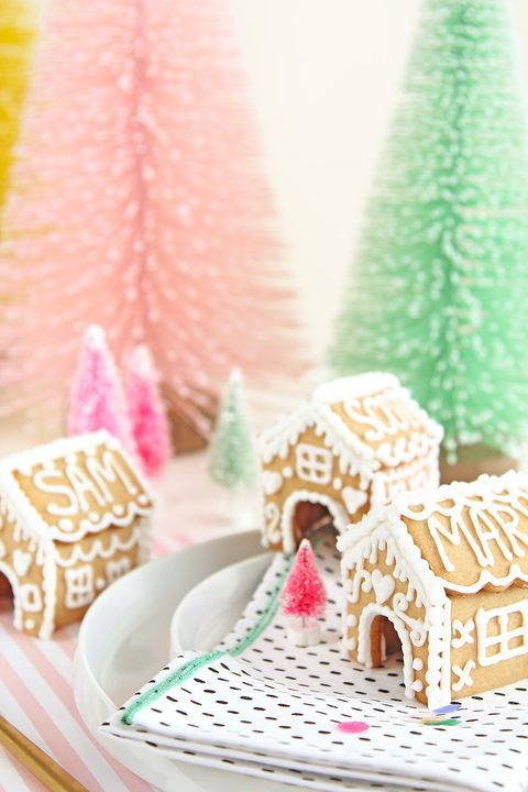 gingerbread house place cards idea