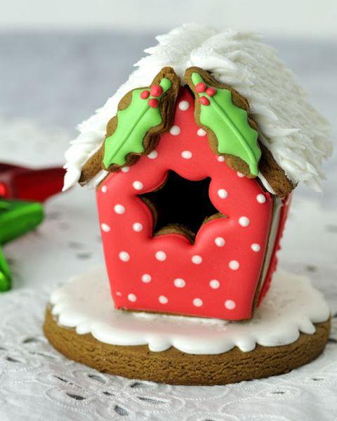 gingerbread houses birdhouse