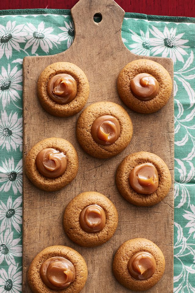 gingerbread thumbprint cookies with dulce de leche