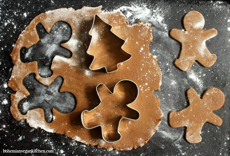10 Vegan Christmas Cookies That'll Jumpstart Your New Year's Resolution To Give Up Dairy