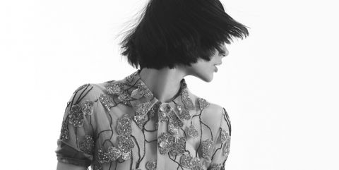Sleeve, Shoulder, Elbow, Standing, Collar, Style, Bangs, Monochrome photography, Neck, Black,