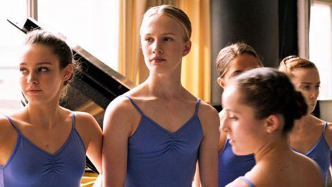 Sportswear, Shoulder, Dance, Leotard, Ballet, Chignon, Event, Performing arts, Dancer,