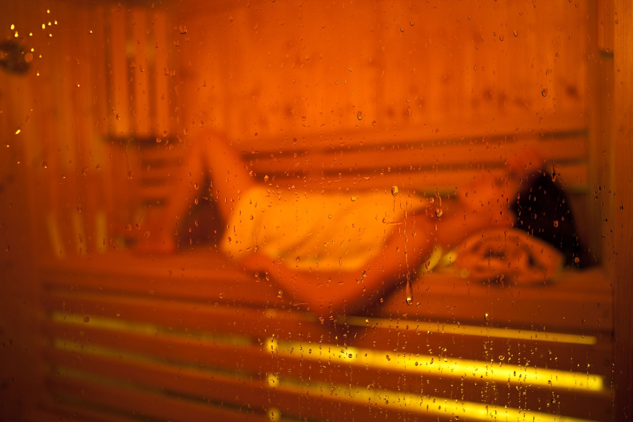 Steam Room Vs Sauna Health Benefits Risks Which Is Better