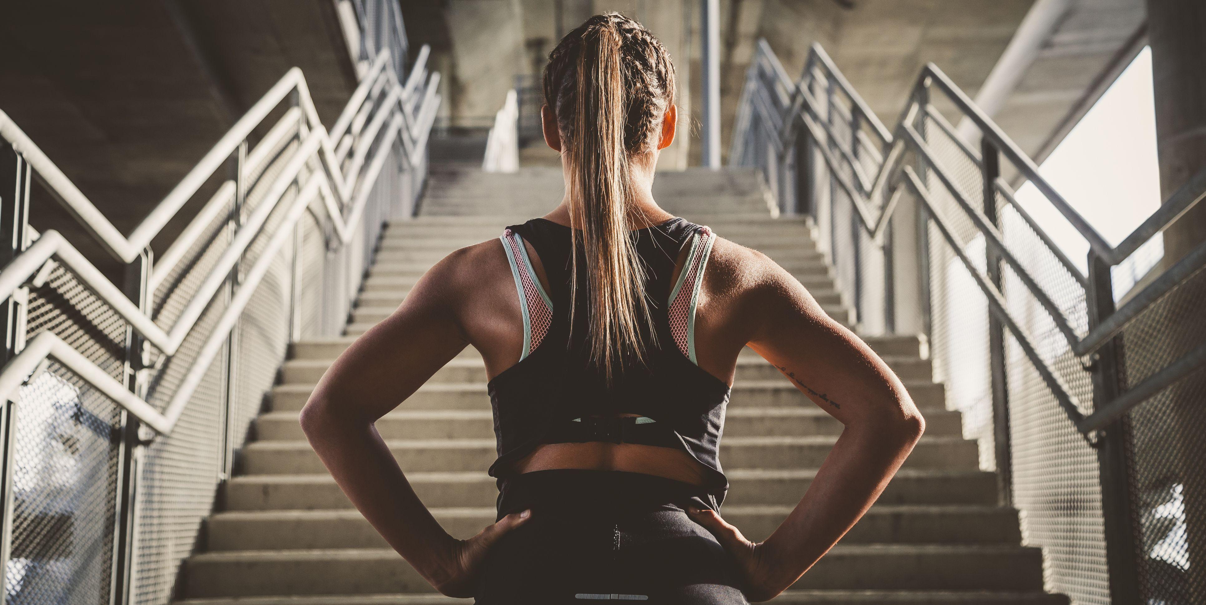 Girl prepairing for workout