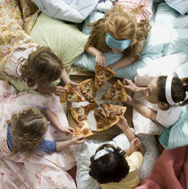 30 Fun Things To Do At A Sleepover