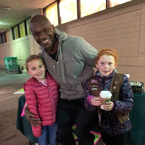man buys $540 worth of girl scout cookies