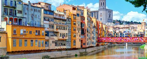 Neighbourhood, Town, Residential area, Waterway, Property, Human settlement, Urban area, Architecture, Building, City,